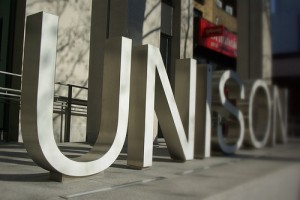 Unison_sign